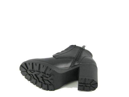 Skórzane czarne botki Marco Tozzi